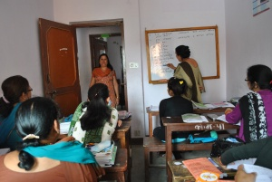 Women studiyng in the school (2)